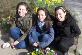 Jugendliche bei Karl´s Erdbeerhof
